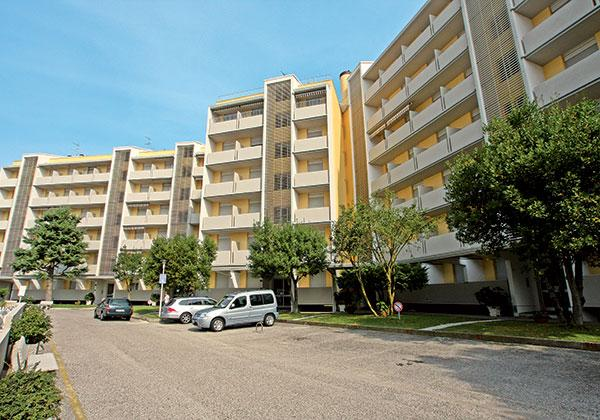 Bora Apartmanház