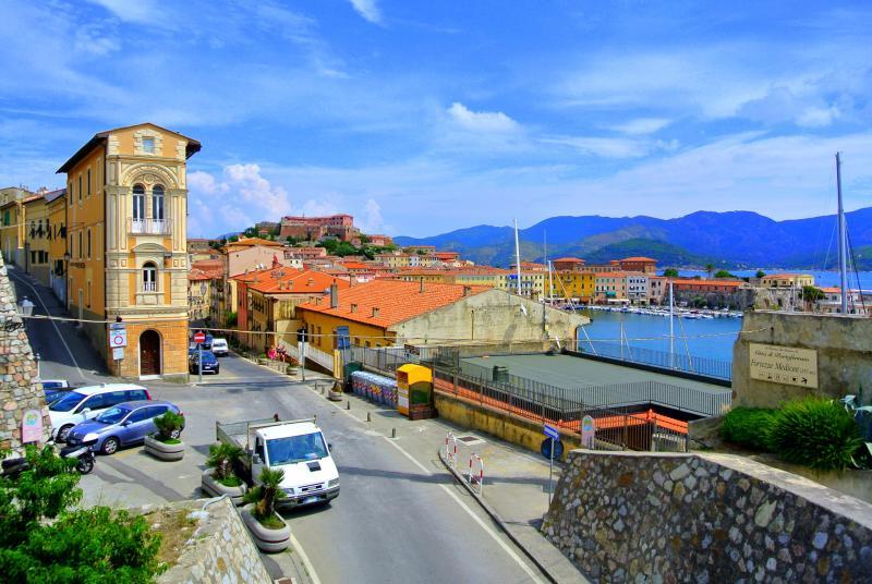 Korzika és Szardínia, Elba-szigetével