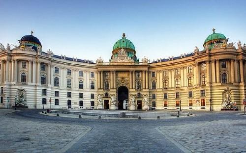 Kirándulás Bécsbe helyszínen választható programmal
