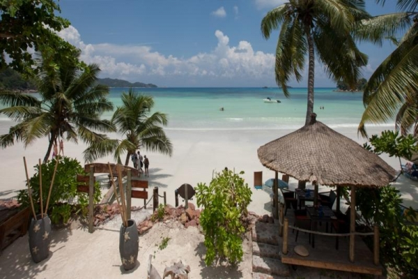 Seychelle-szigetek - Le Duc de Praslin ***+