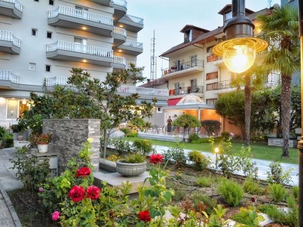 Ioni Hotel ***