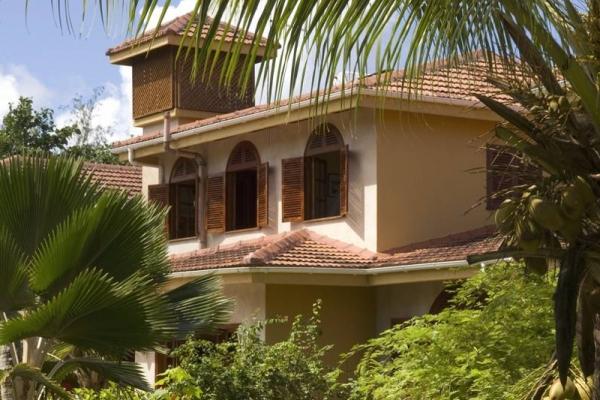 Seychelle-szigetek - Castello Beach Hotel ****