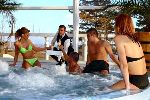 Kikelet és Harmónia - Hotel Marina-Port ****