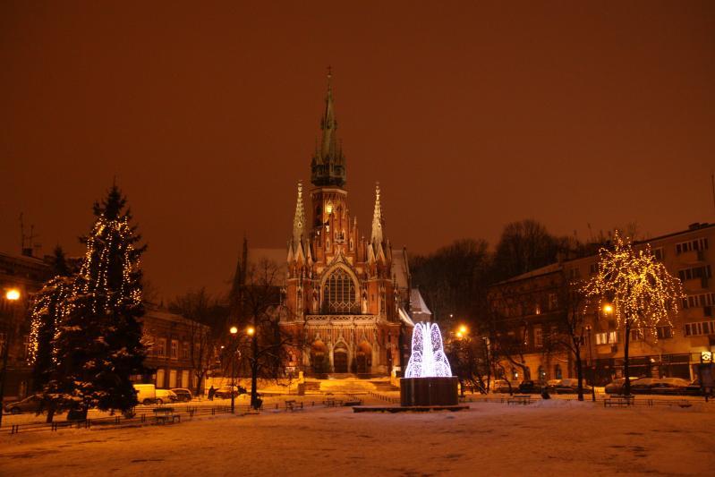http://backend.aleph.hu/travelmax/public_html/gallery/273504/rynek_podgorski_by_night_img_9539.jpg