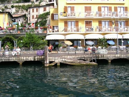 Hotel All'Azzurro 3* - Limone sul Garda