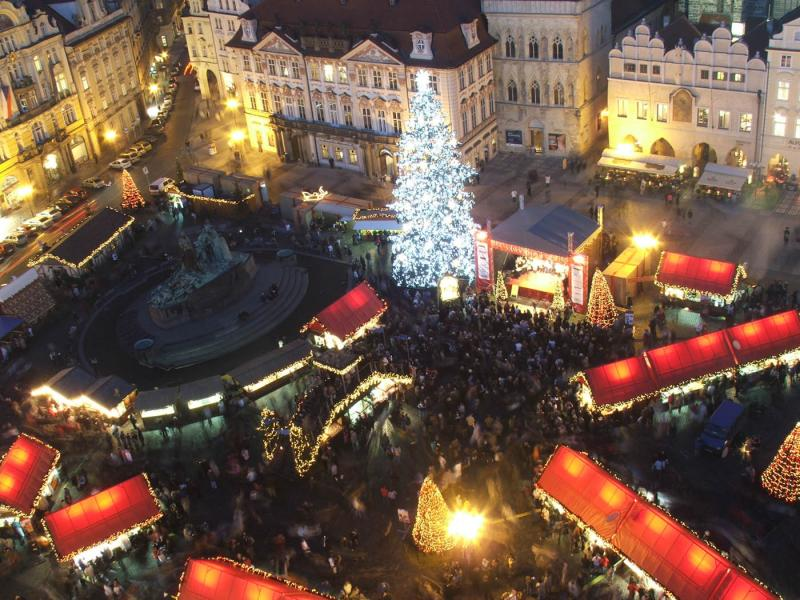 Prága, Český Krumlov És Pozsony Adventi díszben