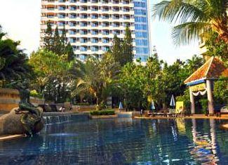 8 éj Phuket Royal Paradise ****
