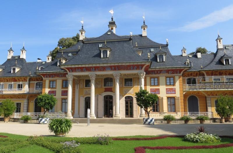 http://backend.aleph.hu/travelmax/public_html/gallery/706505/castle.jpg