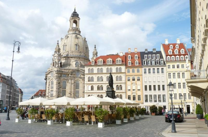 http://backend.aleph.hu/travelmax/public_html/gallery/706505/frauenkirche-dresden.jpg