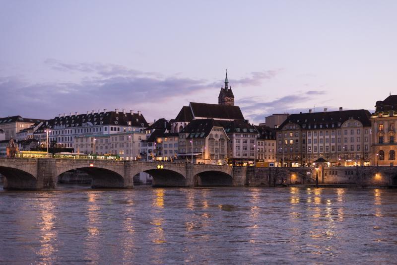Svájc rejtett kantonjaiban és ikonikus vonatokon utazunk