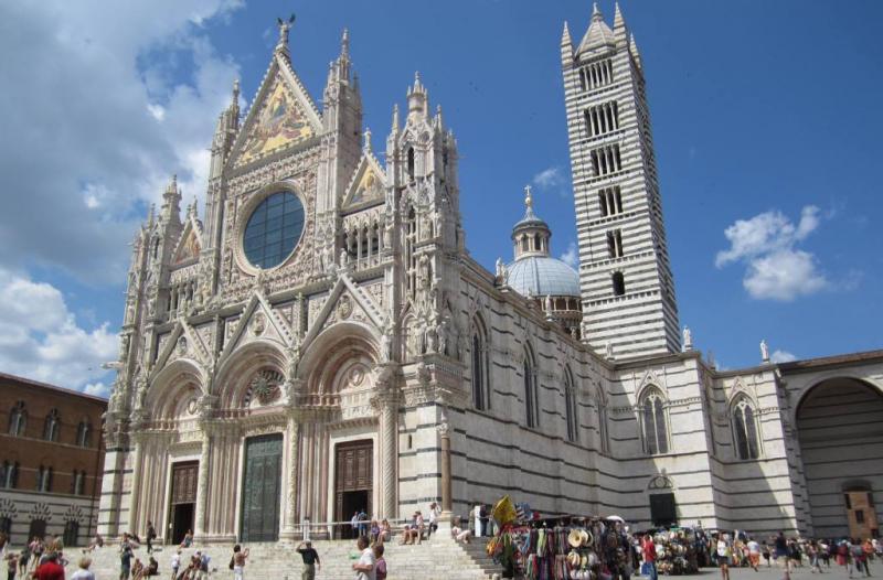 http://backend.aleph.hu/travelmax/public_html/gallery/723397/1-Siena_-_Duomo_001.jpg
