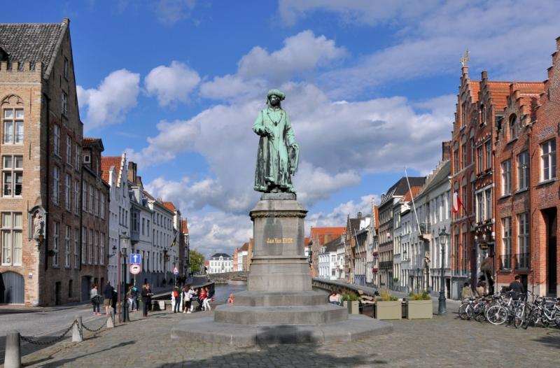 http://backend.aleph.hu/travelmax/public_html/gallery/723758/Brugge_Jan_van_Eyckplein_R01.jpg