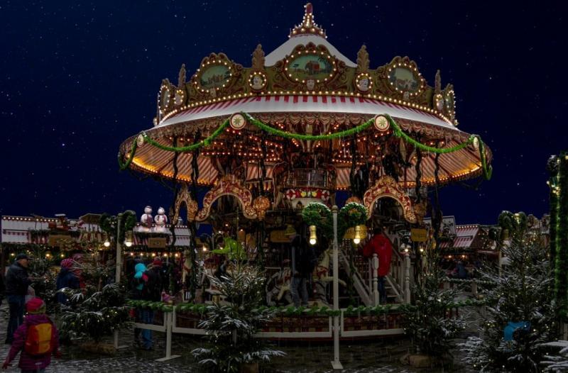 http://backend.aleph.hu/travelmax/public_html/gallery/774683/christmas-n.jpg