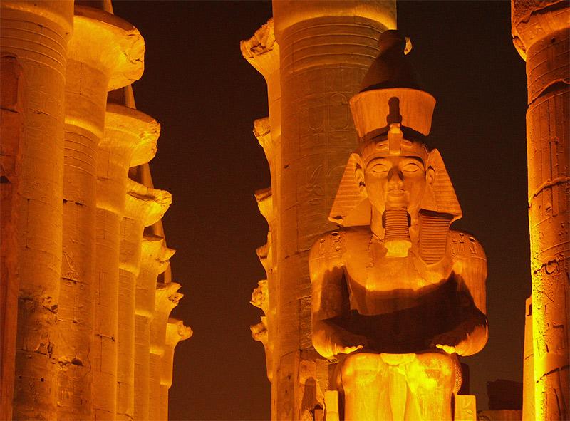 Fényjáték Luxorban