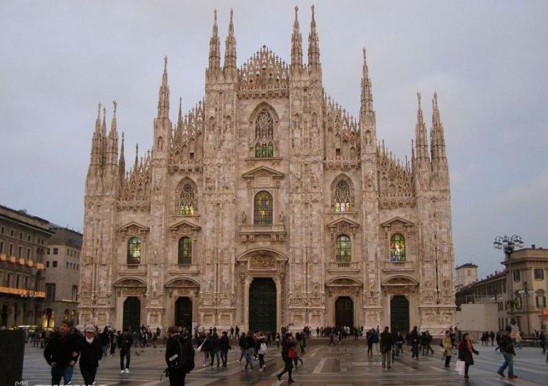Adventi vásárok Veronában milánói kirándulással