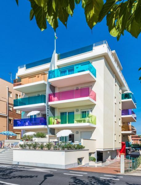 Ambra Apartmanház ****