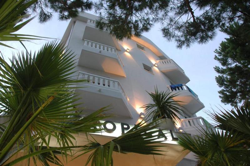Hotel Tropical ***