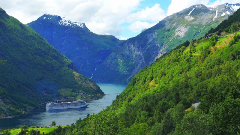 Hajóval a fjordokon|2