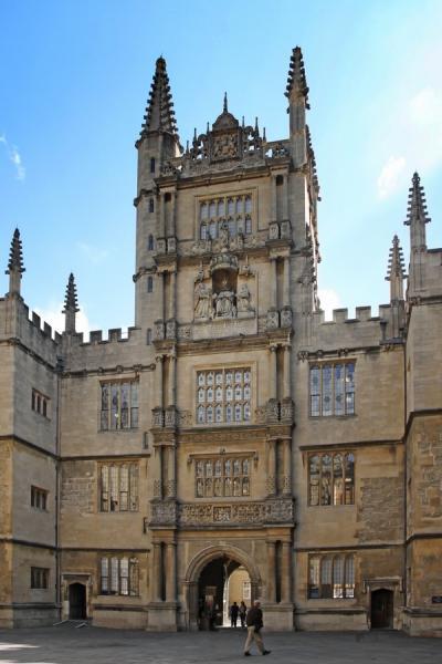 Oxford - Az egyetemi könyvtár épülete