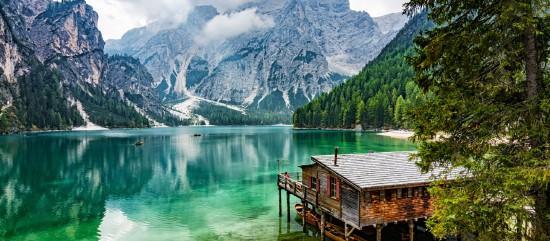 Alpokon innen és túl