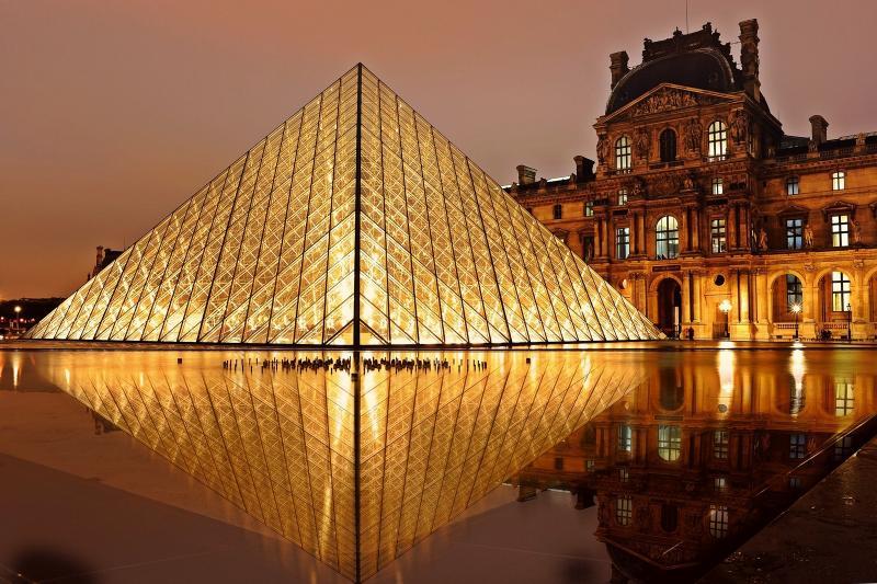 Párizs - gazdagon - repülővel