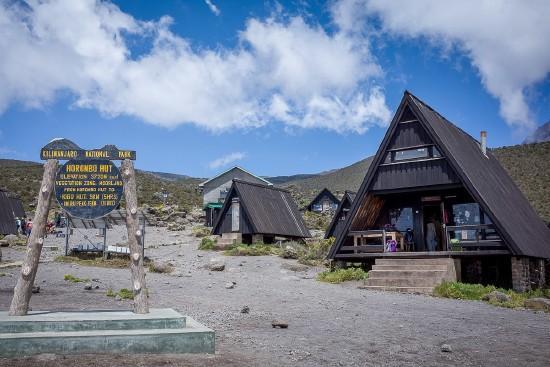 Kilimandzsáró - Túrázz fel Afrika tetejére a Marangu úton!