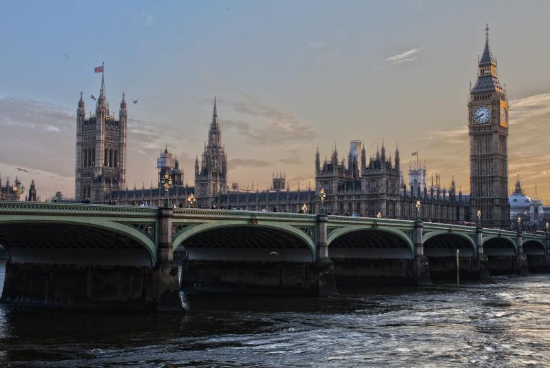 London gazdagon - repülővel 2021