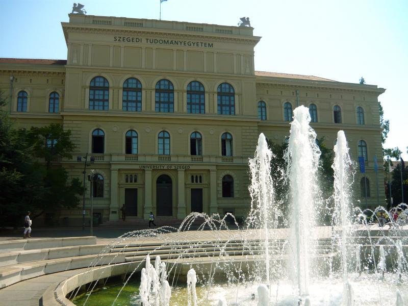 Szeged Dugonics-tér