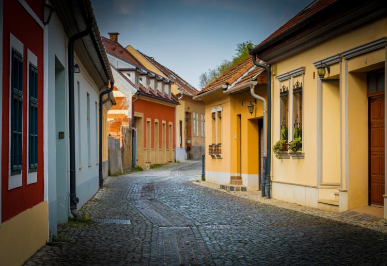 Duna jobb partja|házak