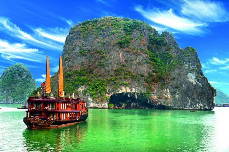 Varázslatos Vietnámi Nagykörút tengerparti pihenéssel