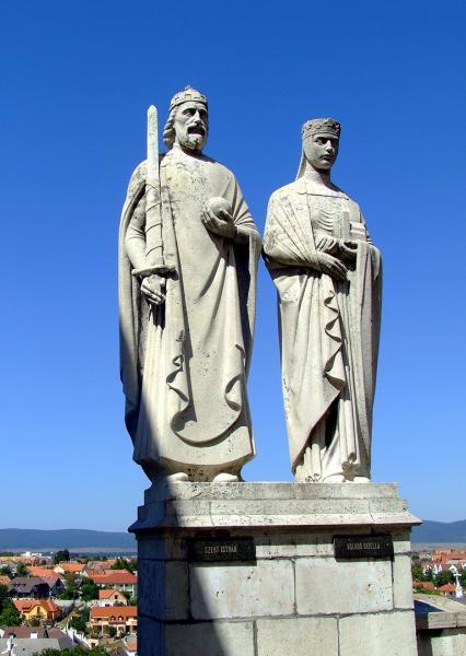 Veszprém - Szt. István király és Gizella királyné szobor
