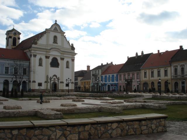 Vác - Fehérek temploma