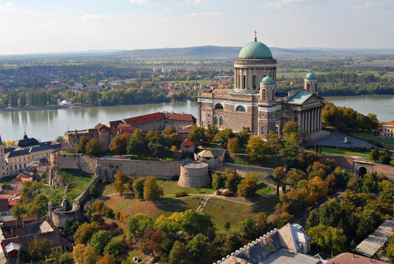 Lovasszínház Komáromban - Tartalmas kirándulással a Duna mentén 2021