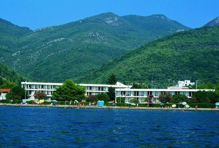 Montenegroi nyaralás busszal - Hotel Kamelija ** - Tivat