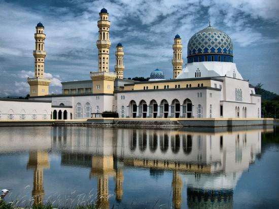 Labuán - Borneo körutazás: A Brunei Szultánsággal és Szingapúrral