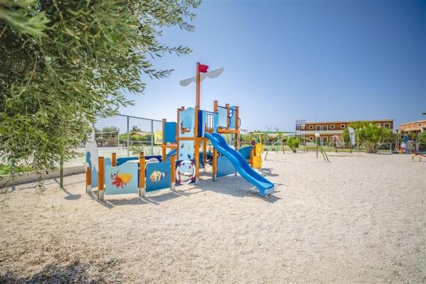 Hotel Ionian Sea &Villas - Aquapark repülővel **** - pozsonyi indulás