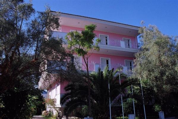 Dionysos apartmanház autóbusszal