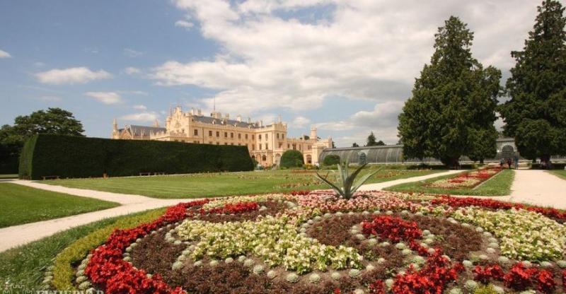 Csehország felfedezése - kastélyok, várak, műemlékvárosok, természeti csodák