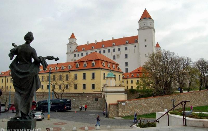 Prága, Bécs, Pozsony II. - Kirándulással Karlovy Varyba
