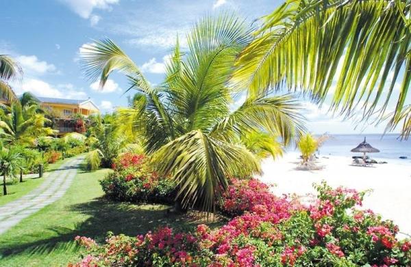 Victoria Beachcomber Resort & Spa ****+