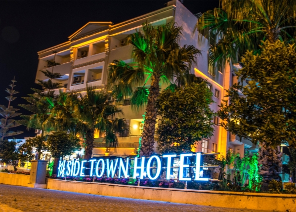 SIDE TOWN BY Z HOTELS ****
