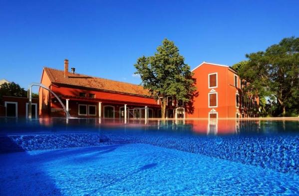 Hotel Villa Donat ***/ **** Sv Filip Jakov - Zadar környéki nyaralás