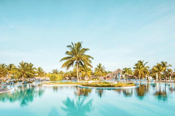 Playa Pesquero Resort, Suites & SPA