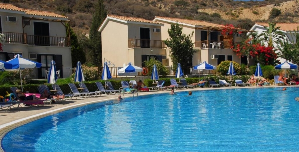 Hylatio Tourist Village *** - Pissouri