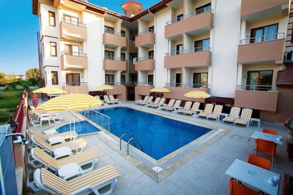 Selenium Hotel - Side