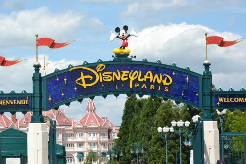 Hotel Santa Fe ** - Szállás és parkbelépő csomag Disneyland Párizs 2021