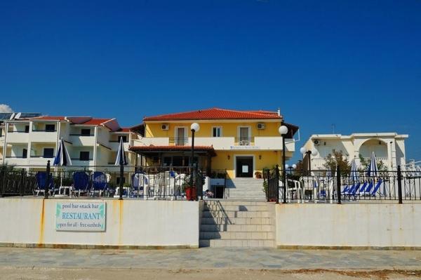 Andreolas Beach Hotel **