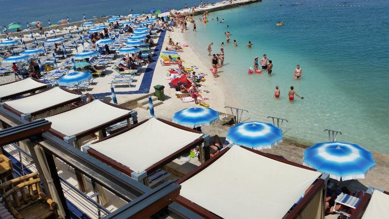 Selce város központi strand
