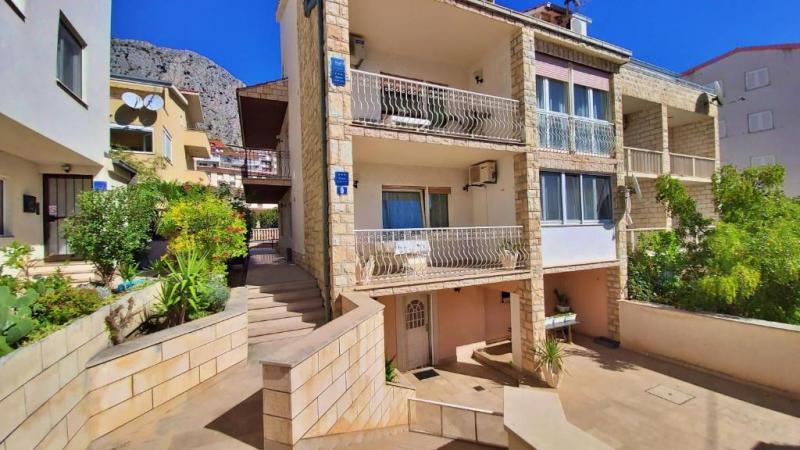 Slado Apartmanház - Omis-Duce - Nyaralás Omisban