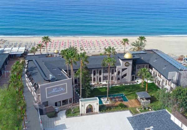ALAADDIN BEACH HOTEL ****
